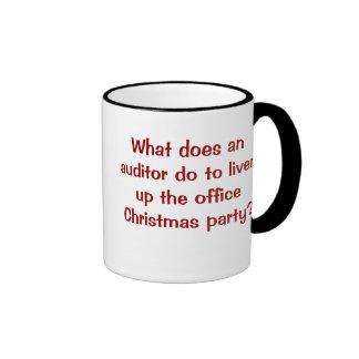 Plaisanterie drôle et cruelle de Noël de Mug Ringer