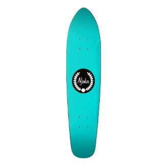 """Planche à roulettes bleue de """"guirlande"""" de Njoku Plateaux De Skateboards"""