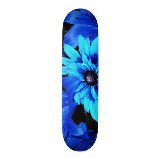 Planche à roulettes bleue électrique de fleurs skateboard customisable