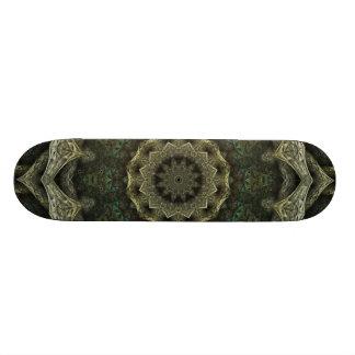 Planche à roulettes ene ivoire et verte découpée skateboards cutomisables