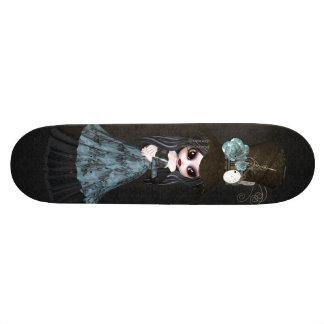 Planche à roulettes mignonne de noir de fille de S Planches À Roulettes Customisées