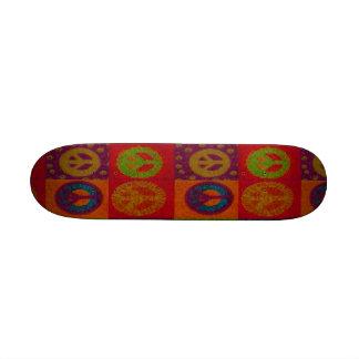 Planche à roulettes sauvage de ~ de signes de paix skateboards