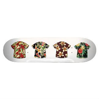 Planche à roulettes vintage 2 de chemise hawaïenne skateboards customisés