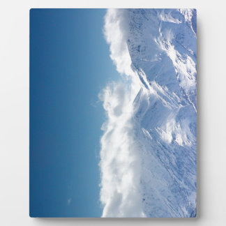 Plaque with photo of snowy mountaintop