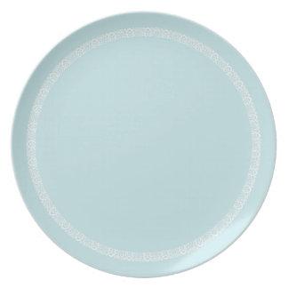 Plat bleu d'équilibre assiettes