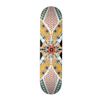 Plate-forme tribale jaune rouge noire à la mode de skateboard 21,6 cm