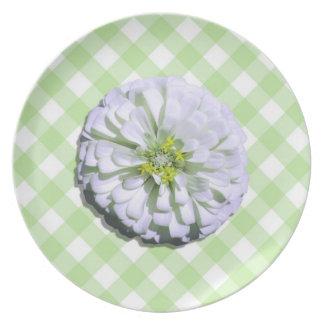 Plate - Lemony White Zinnia on Lattice
