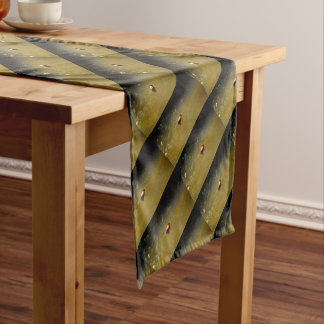 PLATYPUS EUNGELLA NATIOANL PARK AUSTRALIA SHORT TABLE RUNNER