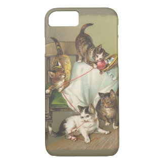 Playing Kittens iPhone 7 case
