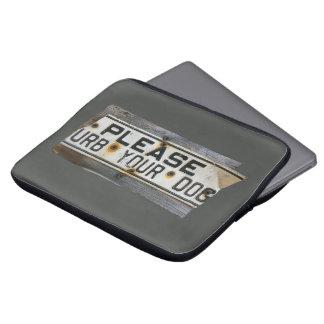 Please `urb laptop sleeve