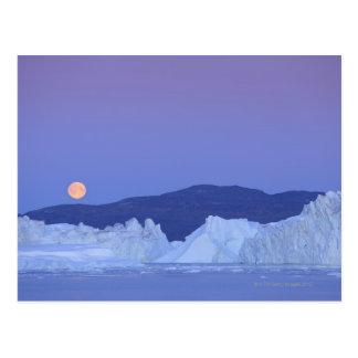 Pleine lune au-dessus d'iceberg cartes postales