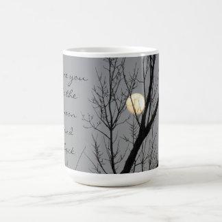 Pleine lune et arbre, je t'aime à la lune et au mug blanc