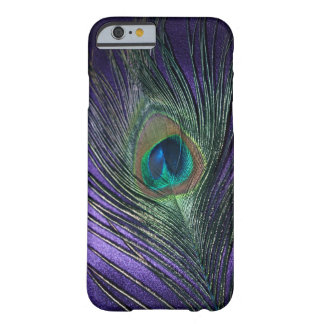 Plume pourpre soyeuse de paon coque iPhone 6 barely there