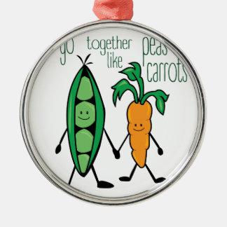 Pois et carottes ornement rond argenté