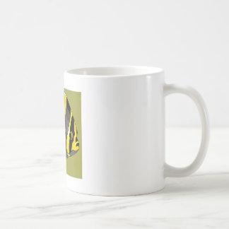 Poissons noirs et jaunes d ange tasse à café