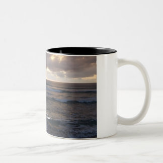 Polihale waves Two-Tone coffee mug