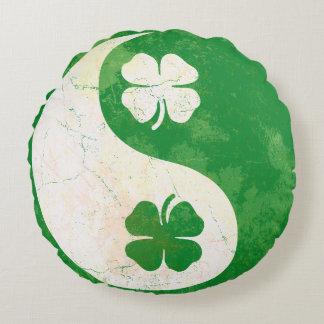Popular Irish Shamrocks Yin Yang Round Pillow