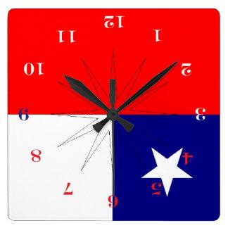 por abajo en Chile Square Wall Clock