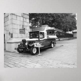 Poster Café et voiture Londres de crêpe vieille