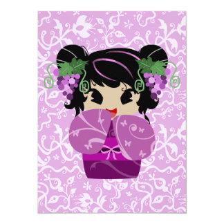 Poupée mignonne de Kokeshi de raisin Cartons D'invitation