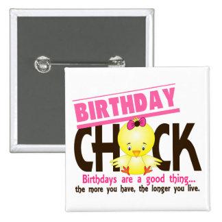 Poussin 4 d'anniversaire badges avec agrafe