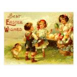 Poussins antiques d'enfants de carte postale de Pâ