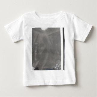 praying baby T-Shirt