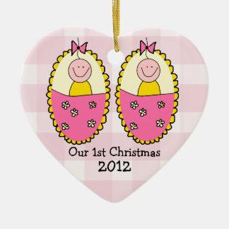 Premier rose de Noël de filles jumelles Ornement Cœur En Céramique
