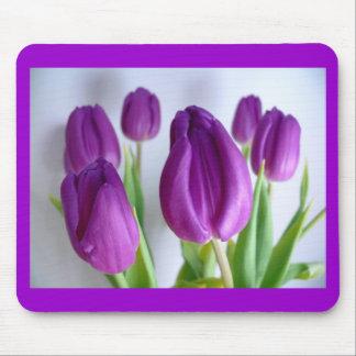 Premières tulipes de ressorts tapis de souris