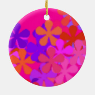 Pretty Pink Daisy >Round Ornaments