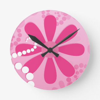 Pretty Pink Flowers Cute Retro Daisy Pattern Round Clock