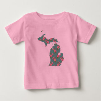 Pretty Pink Roses | Michigan T-Shirt | Michigan
