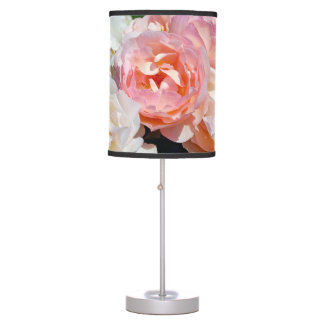 Pretty pink roses table lamp
