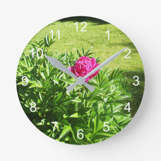 Pretty Red Rose Round Clock