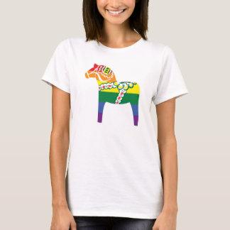 Pride Dalahäst | Dala horse in rainbow flag colors T-Shirt