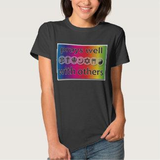 Prie bien avec d'autres le T-shirt de la meilleure
