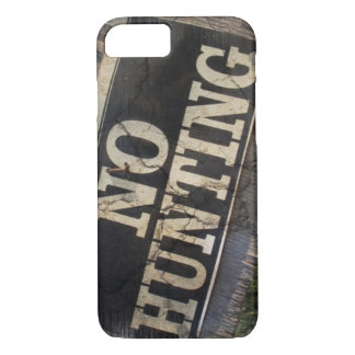 Primitive western Farm Post no hunting signs iPhone 8/7 Case