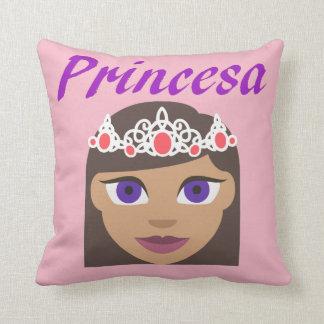 Princesa (Princess) Throw Pillow