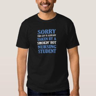 Pris en soignant l'étudiant t shirts