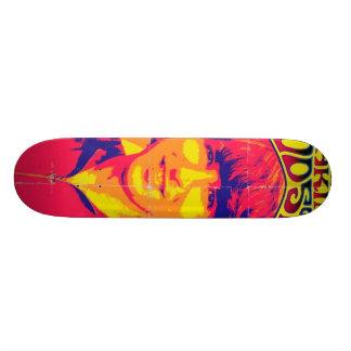 Prise de la planche à roulettes de Woodstock Plateaux De Skate