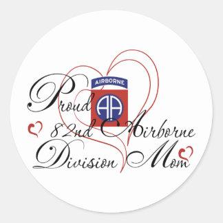 Proud 82nd Airborne Mom Heart Classic Round Sticker