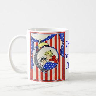proud Air Force MOM vintage print design Coffee Mug