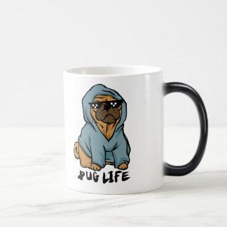 Pug life magic mug