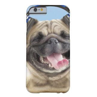 Pug with headphones,pug ,pet barely there iPhone 6 case