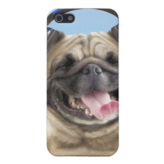 Pug with headphones,pug ,pet iPhone 5/5S cover