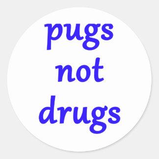 pugs not drugs classic round sticker