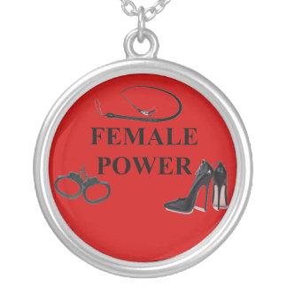 PUISSANCE FEMELLE PENDENTIF ROND