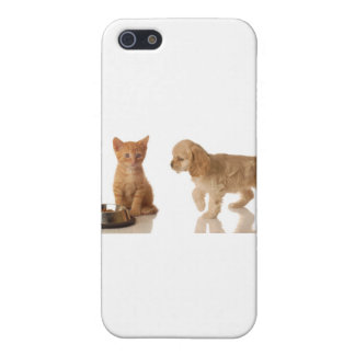 puppy and kitten at food dish cover for iPhone 5/5S