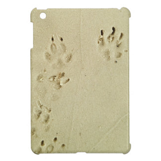Puppy prints in the sand iPad mini cases