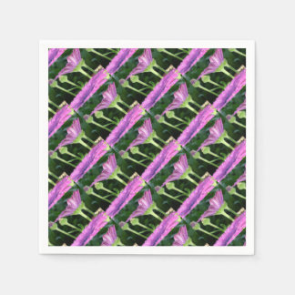 Purple And Pink Daisy Flower in Full Bloom Napkin
